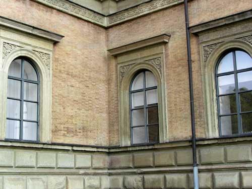 Alte_Pinakothek_Außen_120528_2-web